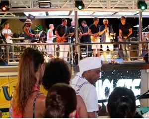 Bell Marques fecha o Carnaval com homenagem ao Expresso 2222