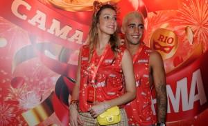 """Luana Piovani entrega: """"Vou me casar em julho e Dom entra no meu colo"""""""