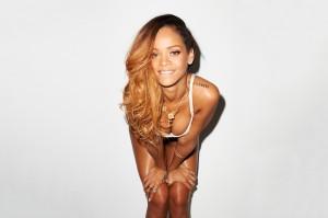 Uau! Rihanna posa de lingerie para as lentes de Terry Richardson