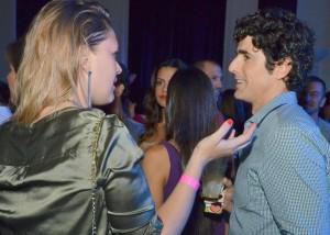 """Gianecchini e """"amiga"""", Guilhermina descalça, Gagliasso e mais em festa"""