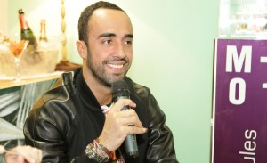 Yan Acioli dá dicas de looks para curtir o Lollapalooza. Play!