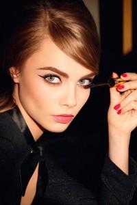 Cara Delevingne é o rosto da nova campanha da YSL Make-up