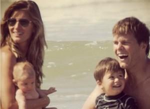 Gisele Bündchen é flagrada com toda a família na Costa Rica. Espia só