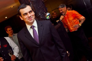 Sandro Barros é o convidado desta sexta-feira do Lado B