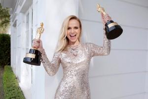 Com dois troféus, Eliana se destaca durante premiação na TV brasileira