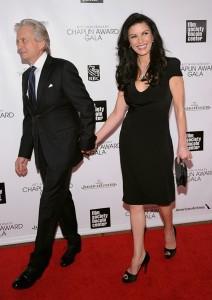 Catherine Zeta-Jones está internada para tratar transtorno bipolar