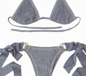Halle Berry leva biquíni brasileiro na mala. Modelo pequeno, de lacinho…
