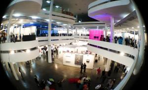 Entre compras milionárias e doações a museus, SP-Arte mobiliza poderosos