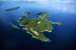 Athina Onassis vendeu ilha onde Onassis e Jacqueline se casaram em 1968