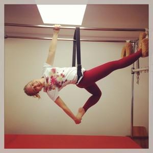 Que força! Angélica faz aula de pilates e publica foto no Instagram