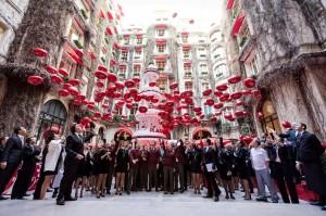 Plaza Athénée comemora seu centenário e lança cápsula do tempo