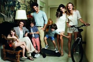 A campanha de Dia das Mães do Shopping Iguatemi vem com o olhar de Mario Testino