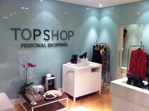 Personal shoppers da Topshop montam looks de glamurettes