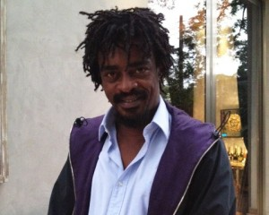 Seu Jorge grava com Anthony Kiedis e se prepara para viver Hendrix