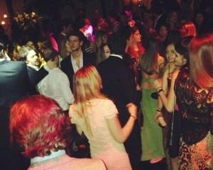 Glamurettes ferveram até altas horas na festa de AJ Junqueira Vilela. Confira