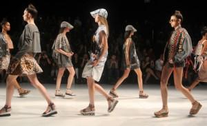 O resumo do segundo dia de desfiles da semana de moda carioca