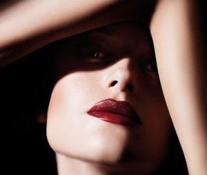 Lábios vermelhos e hidratados vão aquecer o seu inverno, glamurette!