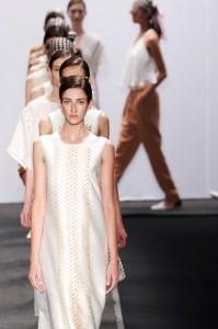 Tops da Lenny e globais da TNG: semana de moda do Rio, terceiro dia