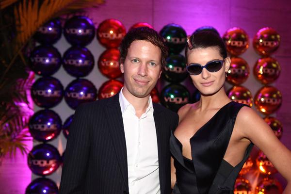 Festa da Vogue Eyewear leva tops brasileiros para a pista de dança ... 441f421c5d