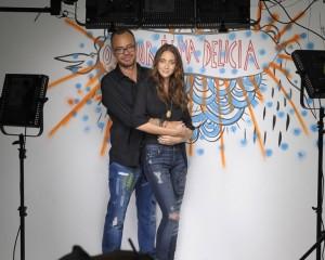 Rita Wainer e 7 For All Mankind armam exposição com casais cool