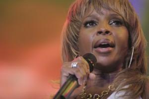 A cantora Mary J. Blige pode de ir parar atrás das grades. Saiba por quê