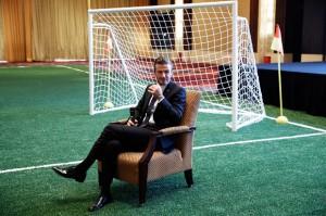 Fim de uma era: inglês David Beckham anuncia a aposentadoria