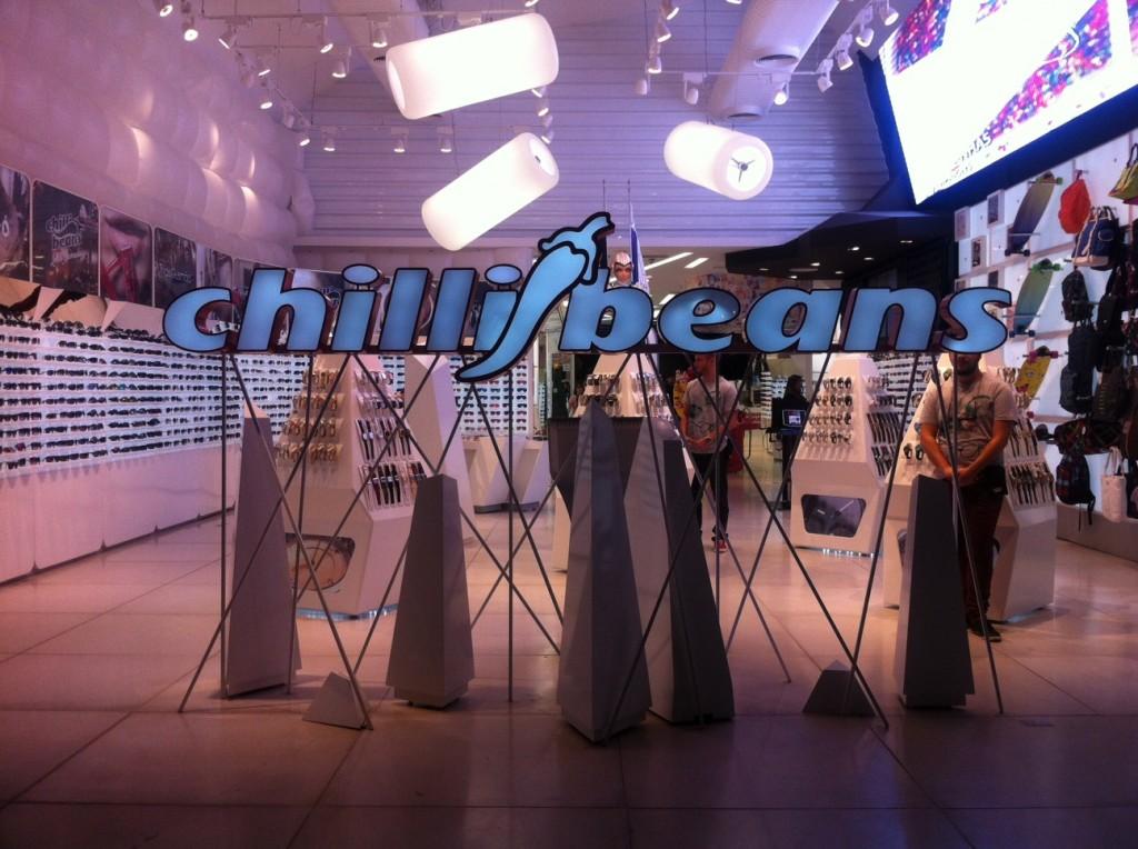 Glamurama já está na loja da Chilli Beans, na Rua Oscar Freire, em São Paulo . f0ac5b4540