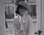Karl Lagerfeld coloca a atriz Keira Knightley em saia-justa. Saiba por quê
