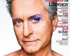 Com maquiagem no olho, Michael Douglas é capa de revista nos EUA