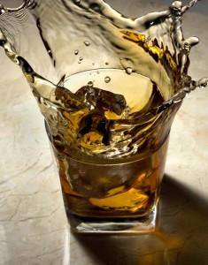 Benny Novak cria gelos inusitados para acompanhar o bom e velho whisky