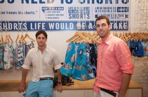 Michel Lassner e Alexandre Reitzfeld inauguram a Shorts & Co em SP