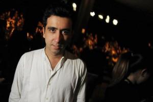 Kleber Matheus, o designer do néon, leva o tropicalismo para França