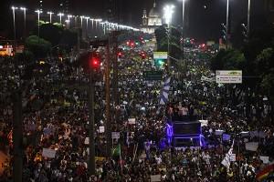Brasil é o assunto preferido da imprensa mundial. Aos fatos