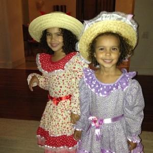 Ronaldo publica foto das filhas prontas para curtir festa junina