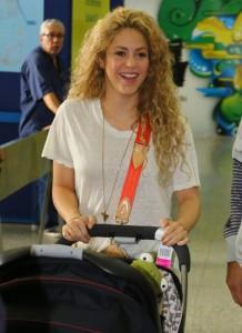 Shakira acaba de chegar ao Brasil para torcer pelo marido Gerard Piqué