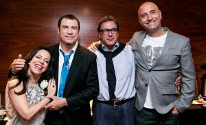 Bebel Gilberto encerra série de shows intimistas que teve John Travolta na plateia