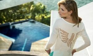 Ana Claudia Michels posa em paraíso para nova campanha da Fillity