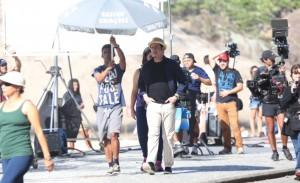 Só simpatia: John Travolta passa a manhã gravando comercial no Rio