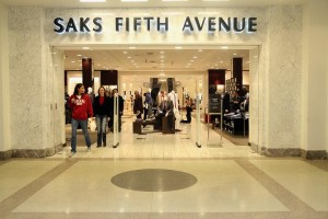 A Saks, uma das mais famosas lojas de departamentos dos EUA, muda de mãos