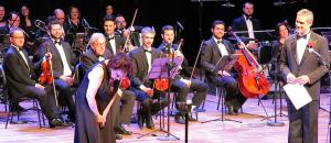 Aos 91 anos, Bibi Ferreira canta Piaf e é aplaudida de pé