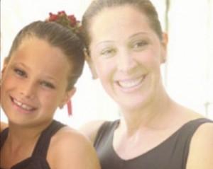 Claudia Raia e a filha juntas dançando balé. Vem espiar, glamurette