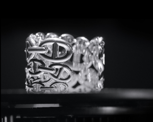 Joias de prata da Hermès são desejo absoluto entre as descoladas