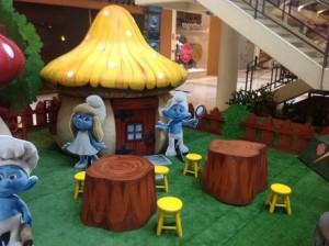 Tudo azul, no fim de semana do Shopping VillaLobos, com os Smurfs