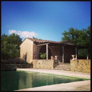 Luciana Gimenez curte temporada luxuosa na Toscana. Vem ver