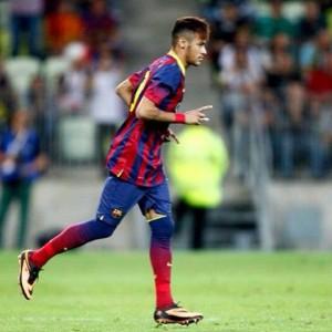 Neymar usa catalão para dizer que está feliz no time do Barcelona