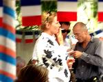Uma Thurman comemorando o 14 de julho em St. Tropez