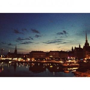 Estocolmo no verão é uma festa. A atriz Sophia Reis que o diga