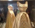Em Londres, Glamurama visita expo com vestidos da realeza britânica