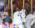 Família Beckham curte dias de diversão na Disney. Olha o flagra!