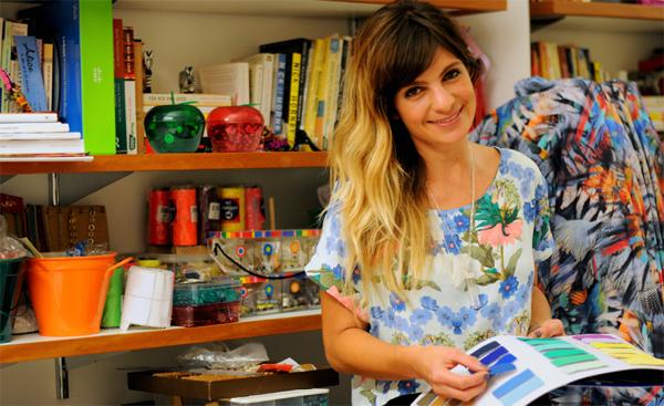 Amanda Haegler, glamurette de família poderosa, reinventa